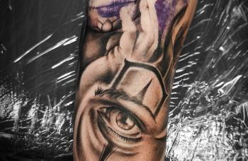 Při tetování