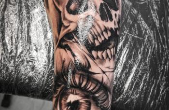 Lebka a oko - detail